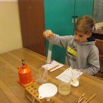 Naturwissenschftliche Experimente zum Thema Wasser